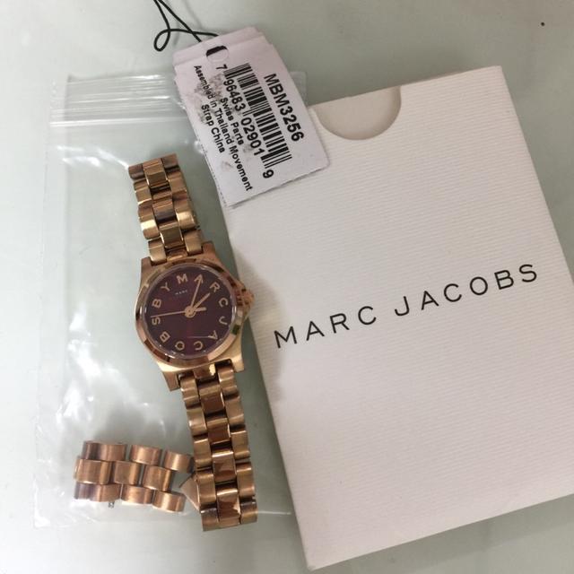 마크제이콥스 로즈골드 버건디 시계 - 상품이미지