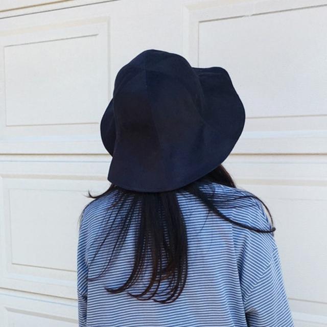 육육걸즈 내추럴 버킷햇 블랙 (사진은 네이비) - 상품이미지