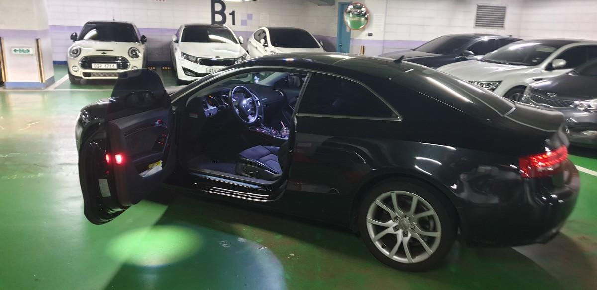 Audi a5 2.0 quattro 2010년형 - 2