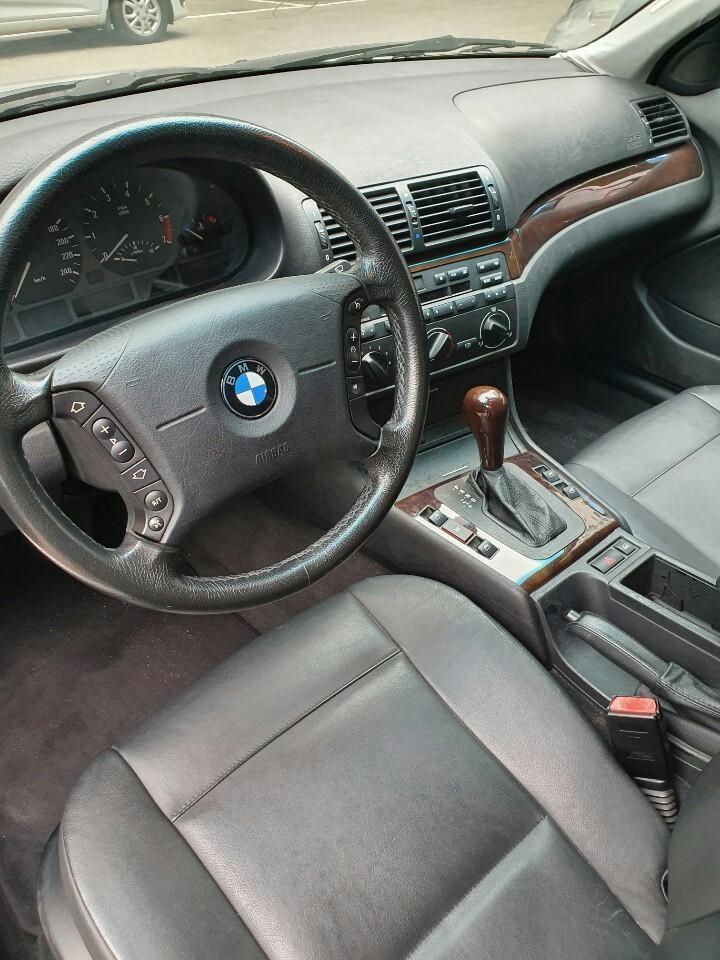 BMW 318i - 3