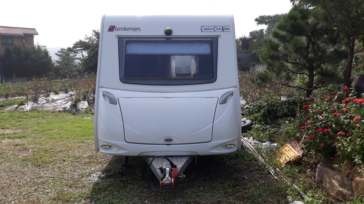 이지보드 390 (4인용 소형 카라반, 캠핑카라반)  + 슈퍼렉스턴 - 1