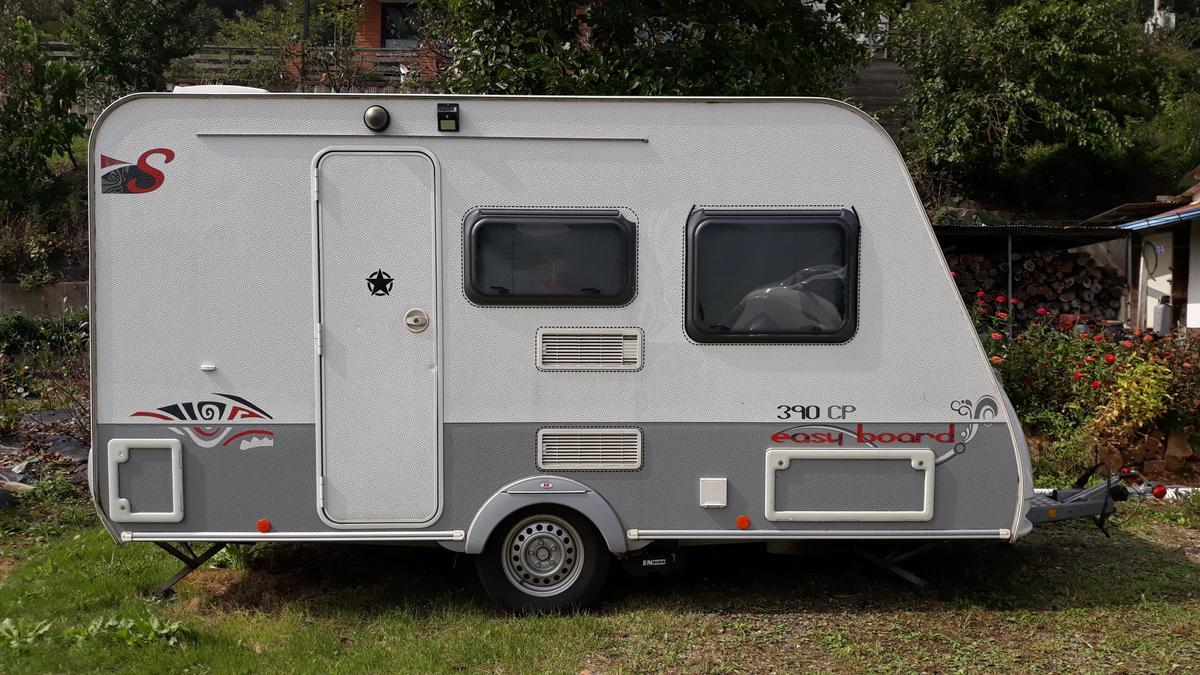 이지보드 390 (4인용 소형 카라반, 캠핑카라반)  + 슈퍼렉스턴 - 2