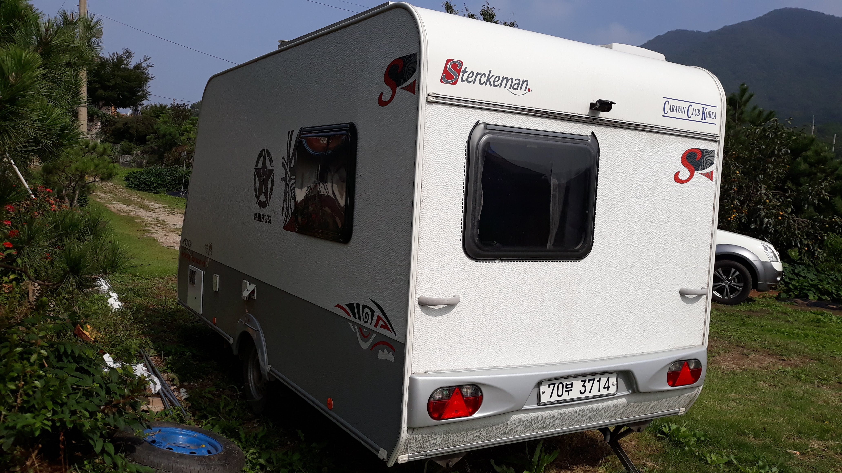 이지보드 390 (4인용 소형 카라반, 캠핑카라반)  + 슈퍼렉스턴 - 3